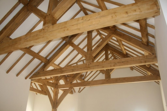 Oak framed truss and post set